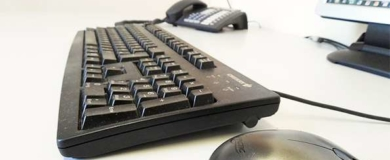 scrivania computer lavoro