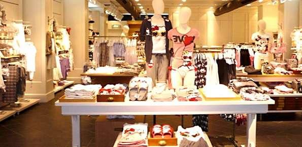 oysho negozio abbigliamento intimo