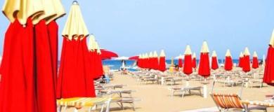 rimini spiaggia ombrelloni