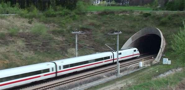 tunnel treno