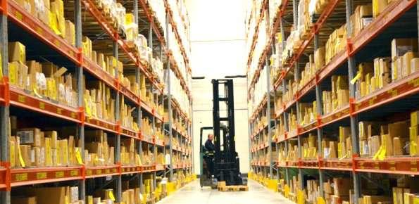 logistica magazzino muletto