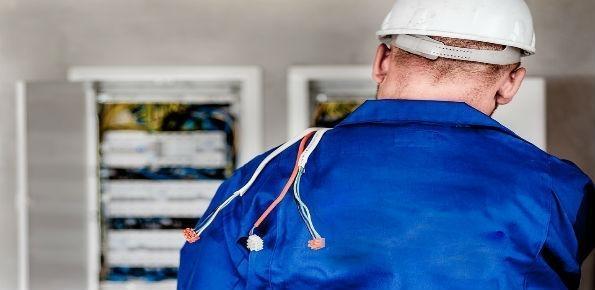 operatore elettrico, elettricista, operaio