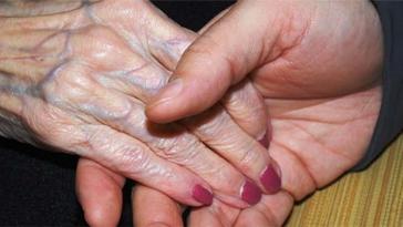 assistenti sociali, anziani