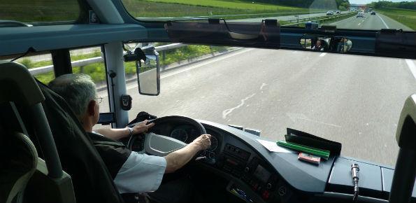 austista bus