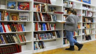 archivista libri biblioteca