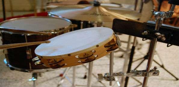 canzone musica tamburo