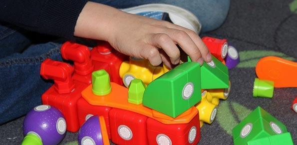 ludoteca giocattoli baby sitter