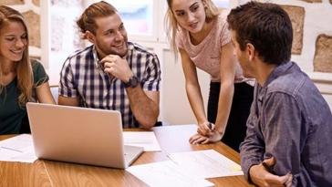 lavoro, giovani, riunione, laureati, junior consulting