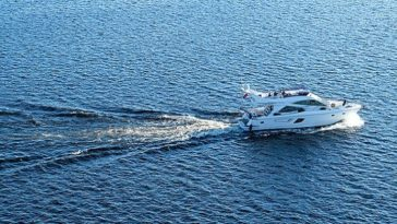 yacht, veloce