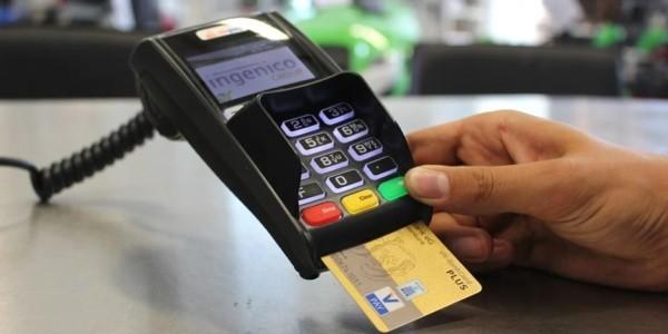 carta di credito, pagamento elettronico, cashless